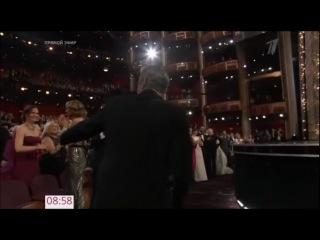 """Оскар-2013: Джек Николсон и Мишель Обама вручают награду лучшему фильму (""""Операция Арго"""")"""
